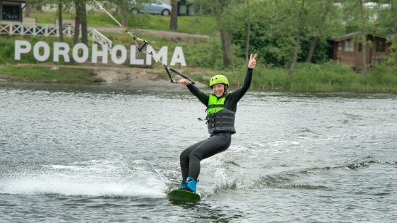 We Have A New Toy In Town: Testing Poroholma Wakepark in Rauma, Finland! | Live now – dream later travel blog