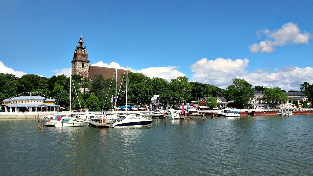 A Walk Through Naantali, The Sunniest Town In Finland!